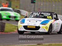 mx5 racing oulton park